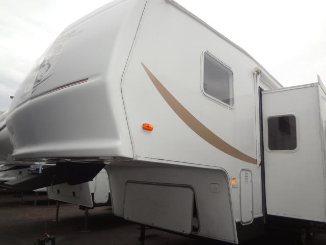 Used 2004 Cherokee Cherokee 275L Fifth Wheel For Sale