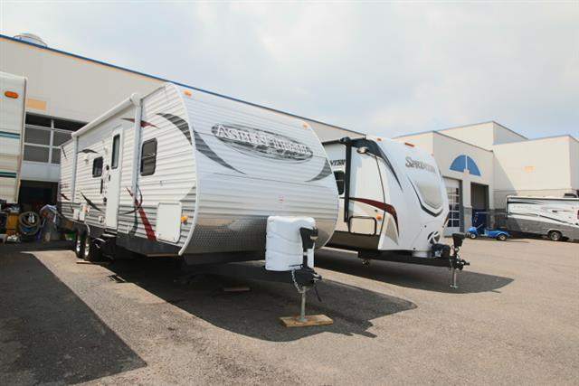 Used 2012 Dutchmen ASPEN TRAIL 2810BHS Travel Trailer For Sale