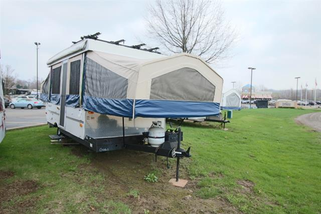Used 2009 Flagstaff Flagstaff 228BH Pop Up For Sale