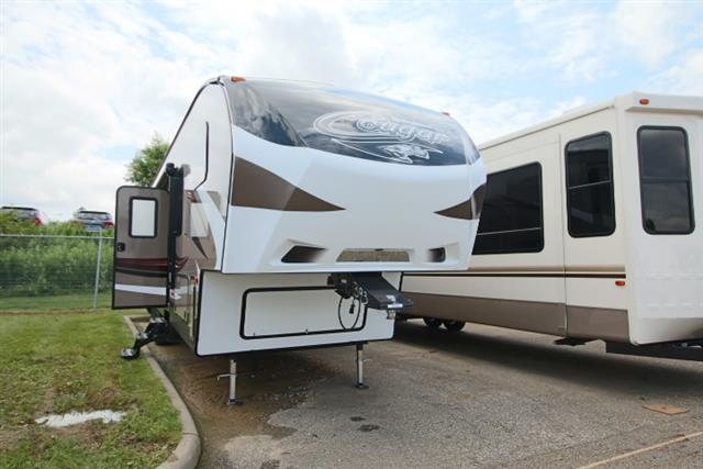 2016 Fifth Wheel Toyhauler Keystone Cougar