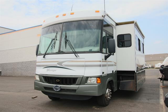 Used 2005 Winnebago Winnebago VOYAGE 35 Class A - Gas For Sale
