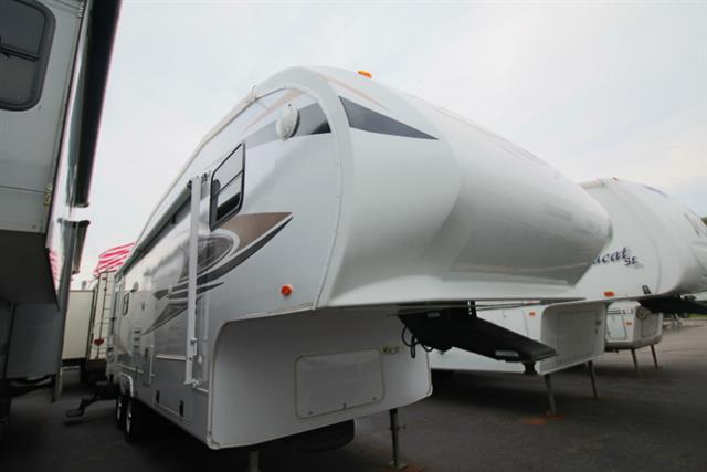 2011 Cruiser RVs Cruiser