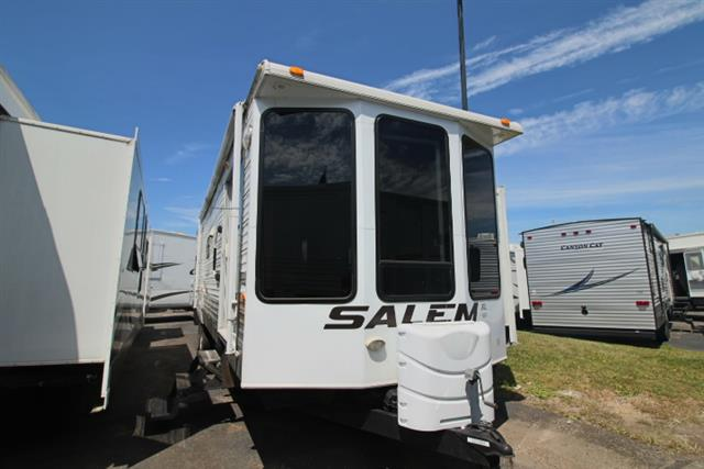 Used 2009 Salem Salem SMT352FLFBLTD Park Model For Sale