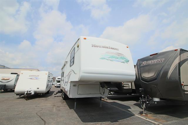 Used 2002 Montana Montana 298RLS MOUNTAINEER Fifth Wheel For Sale