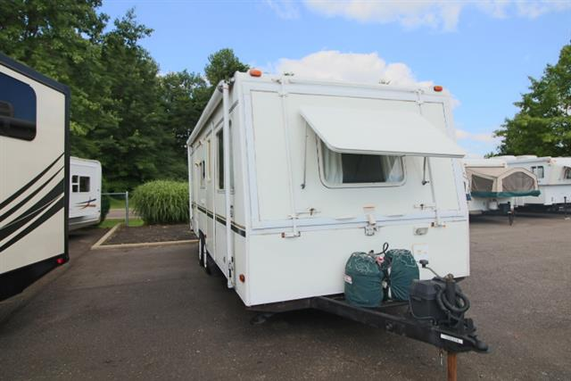 Used 2002 Coleman Coleman CARAVAN 25 Travel Trailer For Sale