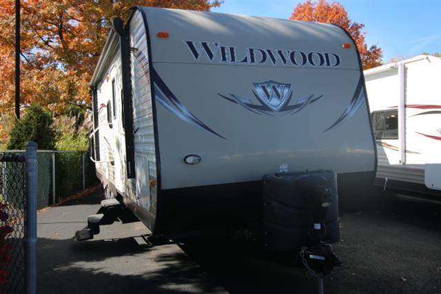 Used 2013 Forest River Forest River WILDWOOD 28BH Travel Trailer For Sale