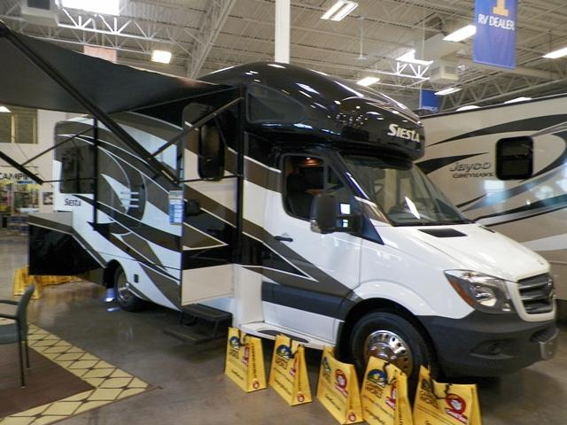 New 2015 THOR MOTOR COACH Four Winds Siesta 24ST Class C For Sale