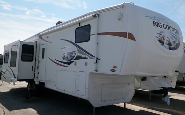 Used 2009 Heartland Big Country 3500RL Fifth Wheel For Sale