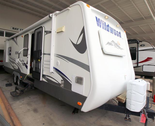 Used 2010 Forest River Wildwood 292FKDS Travel Trailer For Sale