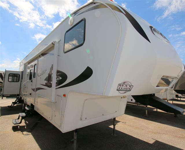 Used 2011 Keystone Cougar 324RLB Fifth Wheel For Sale