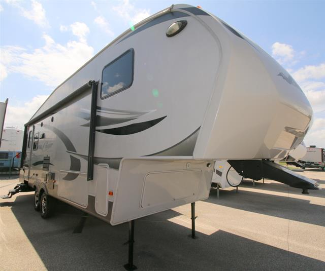 Used 2011 Keystone Cougar 291RLS Fifth Wheel For Sale