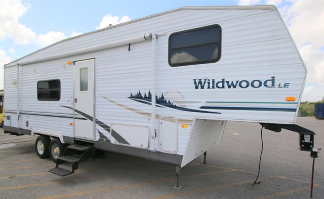 Used 2006 Wildwood Rv Wildwood 29LE Fifth Wheel For Sale