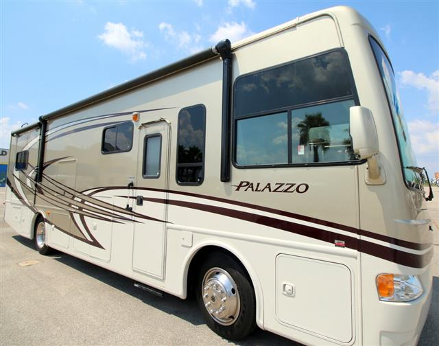 Used 2013 Thor PALAZZO 33.1 Class A - Diesel For Sale