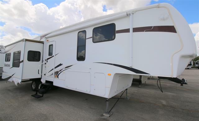 Used 2008 Keystone Montana 3485SA Fifth Wheel For Sale