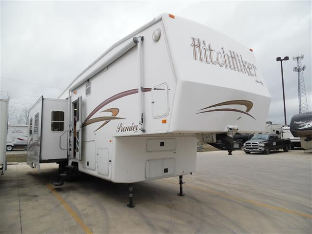 Used 2004 NuWa Hitchhiker 33LK Fifth Wheel For Sale