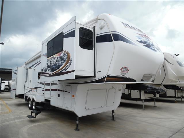Used 2011 Keystone Montana 3750FL Fifth Wheel For Sale