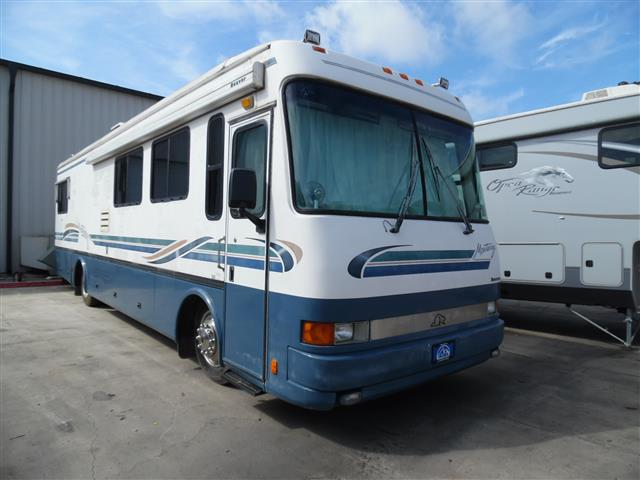 1998 Beaver Motor Coaches Monterray