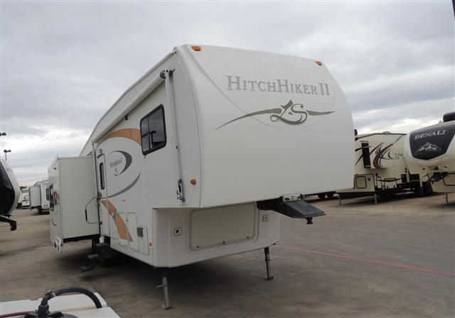 Used 2007 NuWa Hitchhiker 34RL Fifth Wheel For Sale