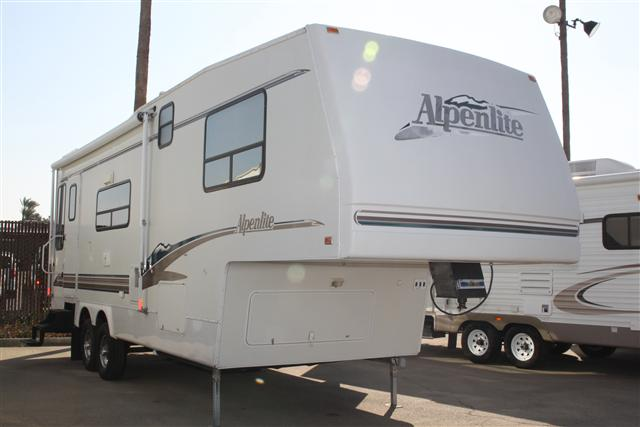 1999 Western Recreational Alpenlite
