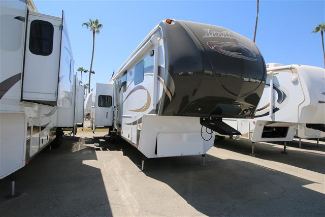 Used 2013 Dutchmen INFINITY 3400 Fifth Wheel For Sale