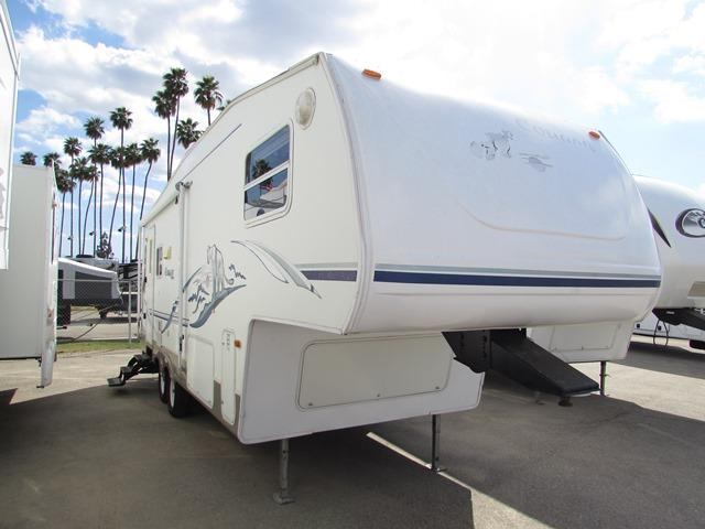 Used 2004 Keystone Cougar 244 Fifth Wheel For Sale