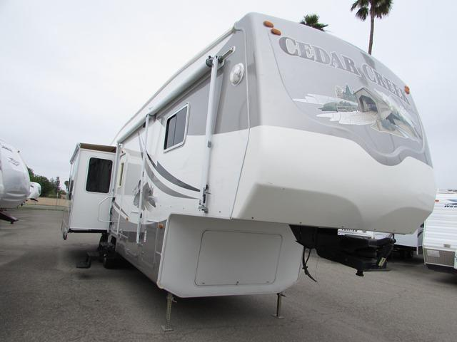 Used 2008 Forest River Cedar Creek 37CK Fifth Wheel For Sale