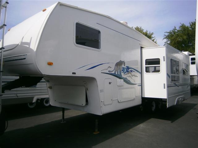 Buy a Used Keystone Cougar in Santa Clarita, CA.
