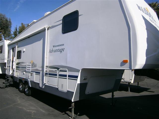 Used 2006 Fleetwood Wilderness 30RL Fifth Wheel For Sale