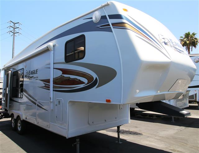 Used 2011 Jayco Eagle 25.5RKS Fifth Wheel For Sale