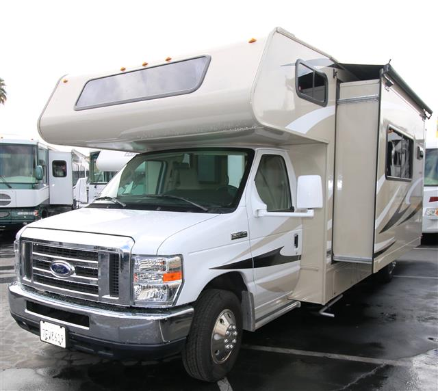 Used 2015 Forest River Leprechaun 260QB Class C For Sale
