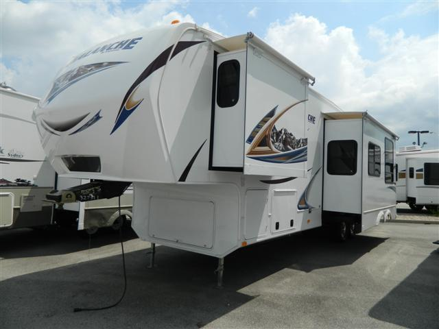 2012 Fifth Wheel Keystone Avalanche