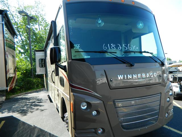 2016 Winnebago VISTA LX