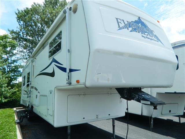 Used 2002 Keystone Everest 343RL Fifth Wheel For Sale