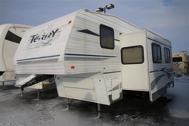 Used 2004 Terry Terry 245RKS Fifth Wheel For Sale