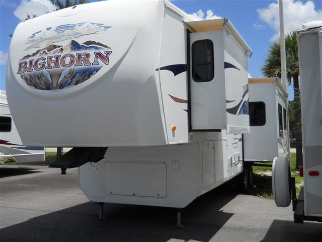 Used2009 Heartland Bighorn Fifth Wheel For Sale