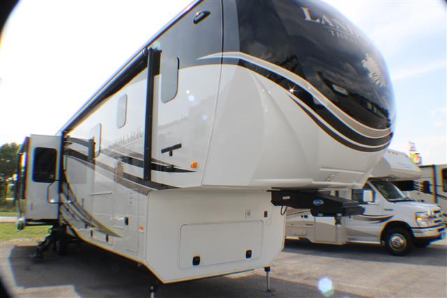 New 2015 Heartland Landmark NEWPORT Fifth Wheel For Sale