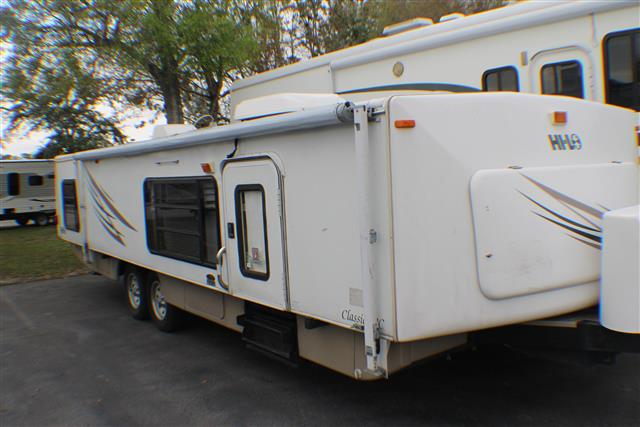 Used 2007 Hi-Lo Classic 2808C Travel Trailer For Sale