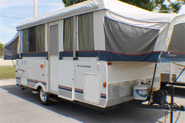 Used 2005 Fleetwood Highlander NEWPORT-3934 Pop Up For Sale