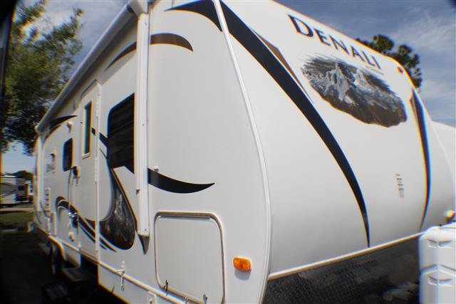 Used 2010 Dutchmen Denali 260FB Travel Trailer For Sale
