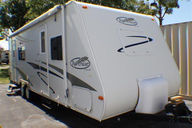 Used 2008 R-Vision Trail-lite M-26QBS Travel Trailer For Sale