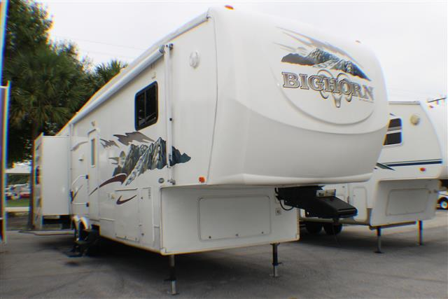 Used 2006 Heartland Big Horn 3055RL Fifth Wheel For Sale