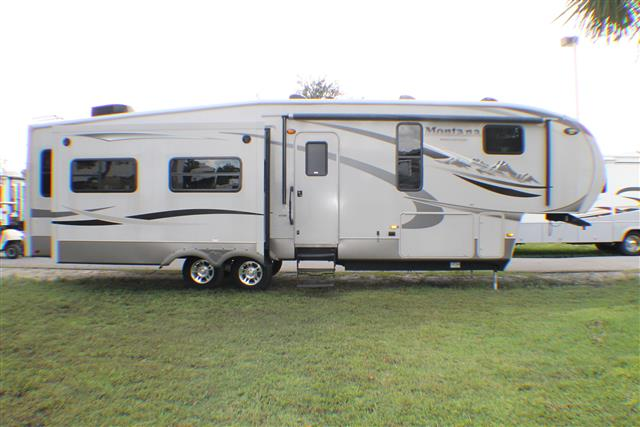 Used 2011 Keystone Montana 343RL HIGH COUNTRY Fifth Wheel For Sale