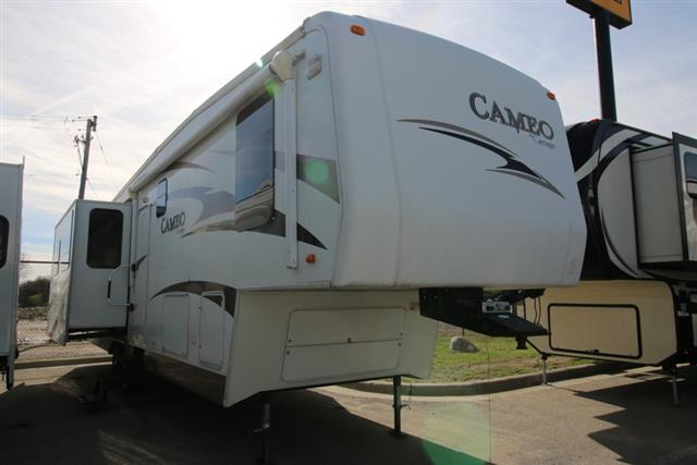 Used 2008 Carriage Carriage CAMEO 33 Fifth Wheel For Sale