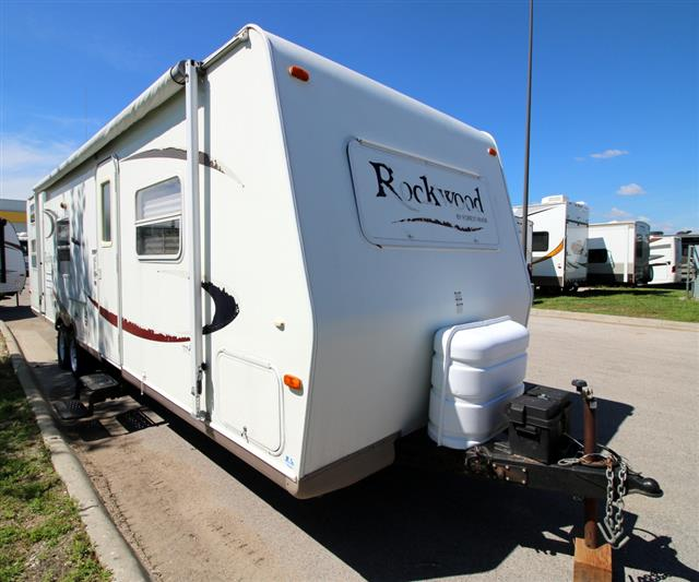 Used 2006 Forest River Rockwood 2701 SS Travel Trailer For Sale