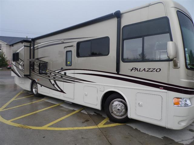 Used2013 THOR MOTOR COACH PALAZZO Class A - Diesel For Sale