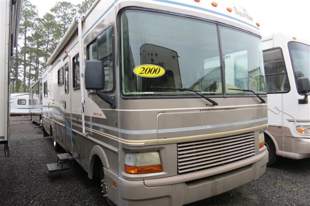 Used 2000 Fleetwood Bounder M32H Class A - Gas For Sale
