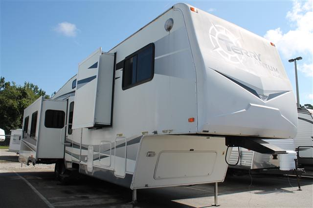 Used 2006 Terry Quantum AX6 Fifth Wheel For Sale
