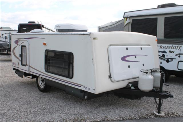 Used 2005 Hi-Lo TOW LITE 1705T Travel Trailer For Sale