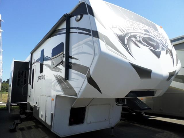 2014 Fifth Wheel Toy Hauler Keystone Raptor