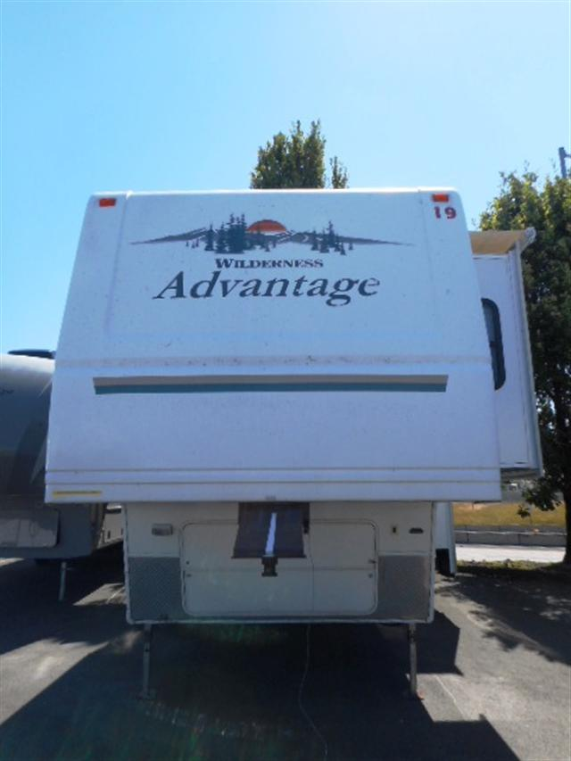 2004 Fifth Wheel Fleetwood Advantage